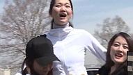 좌 한혜진, 우 이현이 끼고<br>모델 대왕대비 마마 납셨다
