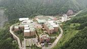 학교가려면 '등산'을 하네<br>우리나라 최고의 대학
