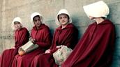 대리모로 쓰이다 폐기되던<br>시녀들의 탈출 15년 후…
